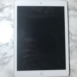Other - Like new iPad barely used